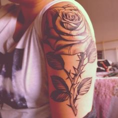 30 Black Rose Tattoo Ideas (16)