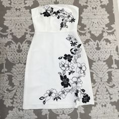 LOFT dress Gorgeous Black and White linen dress by LOFT  slight stain on back which is pictured. LOFT Dresses Midi