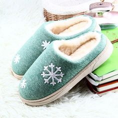 XILALU Girls Boys//Toddler Snow Boots,Outdoor Waterproof Non-Slip Snowflake Kids Winter Shoes,Warm /& Dry Easy Close