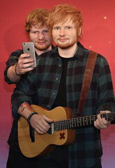 Ed Sheeran got up close and personal with his look-alike wax figure at Madame Tussauds in New York City.