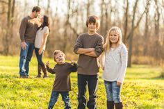 engagement photos with kids and their unplanned expressions! lol