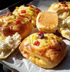 Πίτσες κλειστές υπέροχες !!! ~ ΜΑΓΕΙΡΙΚΗ ΚΑΙ ΣΥΝΤΑΓΕΣ 2 Baked Potato, Cake Recipes, Bakery, Snacks, Breakfast, Ethnic Recipes, Party, Food, Products