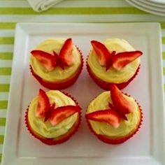 strawberry butterflies - love it! Strawberry -Lemonade cupcakes, lemon frosting and the strawberry butterflies. Cupcake Recipes, Cupcake Cakes, Dessert Recipes, Cupcake Ideas, Cup Cakes, Gourmet Cupcakes, Fun Recipes, Cupcake Toppers, Just Desserts