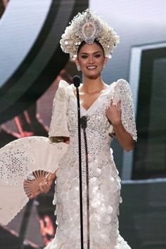Pia Wurtzbach, Miss Philippines in National Costume, Miss Universe 2015 Philippines Dress, Miss Philippines, Philippines Culture, Modern Filipiniana Dress, Miss Universe Philippines, Filipino Wedding, Filipina Beauty, Pageant Gowns, Beauty Pageant