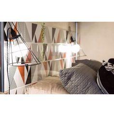 Azulejos Tarde, Raiz Laranja, Laje Preto e Raiz Cinza #cabeceira #painel #headboard #panel #lurca #lurca_azulejos #azulejos #azulejosdecorados #revestimentos #arquitetura #interiores #decor #design #reforma #decoracao #geometria #casa #ceramica #architecture #decoration #decorate #style #home #homedecor #tiles #ceramictiles #homemade #madeinbrazil #saopaulo #sp #brasil #brazil #design #brasil #braziliandesign #designbrasileiro