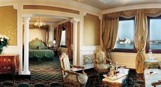 Luna hotel Baglioni. Steps from Piazza San Marco Best Luxury Hotels in Venice Italy.