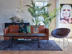 Nordic er en av våre bestselgere! Sofaen er i skandinavisk stil og er en tidløs modulsofa med høy kvalitet og sittekomfort. Sofaen leveres i mange ulike oppsett, og man kan velge blant flere armlener og bentyper. Det finnes også et stort utvalg av stoffer å velge mellom. Decor, Furniture, Nordic, Dining, Dining Bench, Gallery Wall, Wall, Home Decor, Couch