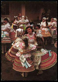 Szentistván; Népviselet | Képeslapok | Hungaricana Folk Costume, Costumes, Hungarian Dance, Hungarian Embroidery, Family Roots, Folk Dance, Taekwondo, Way Of Life, Czech Republic
