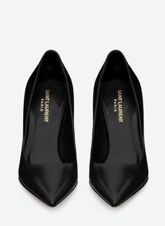Classic Saint Laurent black leather pumps available at our Boston location Black High Heel Pumps, Leather High Heels, Black Leather Shoes, Black Shoes, Pointed Heels, Black Stilettos, Yves Saint Laurent, Saint Laurent Shoes, Look Fashion