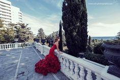 Red dress photoshoot.  #sohphotography #fotografwien #fotografbruckanderleitha #hochzeitsfotografbruckleitha #fotografneusiedlamsee #фотографввене Photoshoot, Red, Photography, Dresses, Red Gown Dress, Gowns, Vestidos, Photograph, Photo Shoot