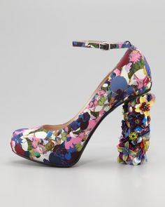 Floral-Print Jeweled-Heel Pump #floral #heels #pump www.loveitsomuch.com