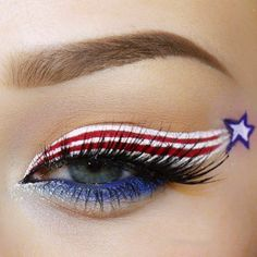 Happy July - of July inspired patriotic eye makeup look Red, White and Blue. Just the red and white for Canada day 4th Of July Celebration, 4th Of July Party, Fourth Of July, Make Up Looks, 4th Of July Makeup, Art Visage, Party Make-up, Usa Party, Happy July