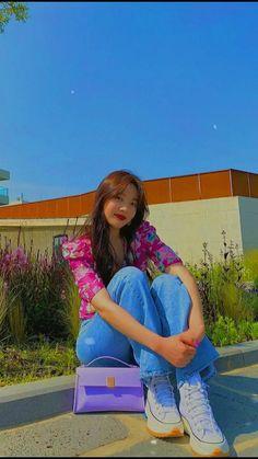 Kpop Girl Groups, Kpop Girls, Velvet Video, Joy Rv, Kpop Girl Bands, Korean Girl Photo, Park Jimin Cute, Red Velvet Joy, Black Pink Kpop