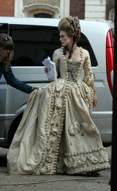Too funny to see Kiera in costume for the duchess infront of a SUV...Ummm me thinks they needed a horse and carriage! LOL!