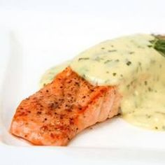 Bernaise Sauce Recipe-This bernaise sauce recipe features lots of clarified butter, egg yolks, a little tangy vinegar, and the slightly grassy flavor of tarragon. It is served hot, most often as an accompaniment to grilled steaks, and should be made just before serving.