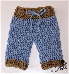 This is a free crochet pattern for the American Girl or 18 inch doll. Mamma That Makes: Lil Pants.