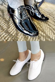 Today's Hot Pick :Patented Basic Brogues http://fashionstylep.com/SFSELFAA0003199/myharooen/out Get into classic styling with these patented basic brogues. Wear them with a crisp button-down shirt and dressy trousers for a look that speaks sophistication and class. - Round toe - Lace-up - Patented leather/ Matte leather (white) - Available color(s): White, Beige, Navy, Black