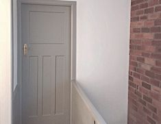 Worsted farrow and ball Front Door Colors, Wall Colors, Paint Colours, Drawing Room Blue, Fromt Doors, Farrow And Ball Kitchen, Pavilion Grey, Paint Fireplace, Dining Room Paint