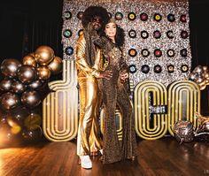 Disco Birthday Party, Birthday Party Outfits, 30th Birthday Parties, Birthday Ideas, Disco Party Decorations, Disco Theme Parties, 1970s Party Theme, Studio 54 Disco, Train Party