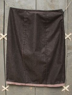 This below the knee pencil, cotton skirt offers 2 different ways to be worn, by EatingTheGoober