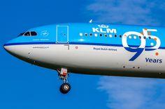 https://flic.kr/p/xrkqyY | Airbus A330-303 KLM PH-AKF (AMS)
