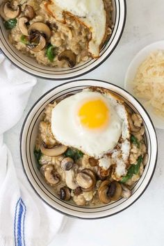 Savory Oatmeal with Mushrooms Spinach and Thyme - December 17 2018 at - and Inspiration - - Vegan Vegetarian And Delicious Nutritious Meals - Weighloss Motivation - Healthy Lifestyle Choices Savory Oatmeal Recipes, Healthy Breakfast Recipes, Brunch Recipes, Healthy Eating, Healthy Recipes, Breakfast Ideas, Healthy Foods, Dinner Recipes, Healthy Lunches