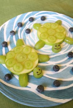 Turtles may not be very quick, but putting together this fruit snack craft sure is!