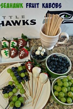 Seahawk Fruit Kabobs We love to entertain at my house for the Seahawks games. Many of the appetizer dishes can be on the heavier side (and longer prep times). While we love those dishes, I wanted to come Fruit Appetizers, Appetizer Dishes, Game Day Appetizers, Appetizer Recipes, Appetizer Ideas, Snack Recipes, Seattle Seahawks, Seahawks Game Day, Seahawks Football