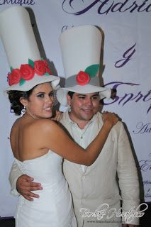 Sombreros de novio ideal para tu boda en playa por Bodas Huatulco