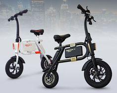 Le véhicule électrique est vendu à partir de 790€ en coloris blanc ou noir
