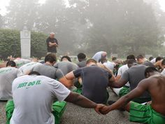 PHOTO: Marshall Football Team Honoring the Memory of the 1970 Plane Crash Victims