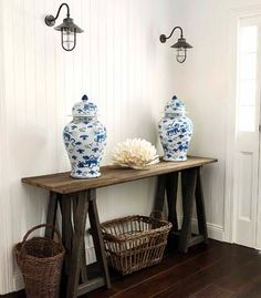 Great entrance hall by Lynda Kerry Interior Design, Hamptons style decorating with blue and white accents Die Hamptons, Foyer Decorating, Decorating Tips, Blue And White China, Ginger Jars, Deco Table, Rustic Table, Coastal Style, Home And Living