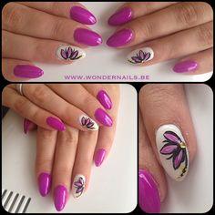 Stiletto nails ❤️ Flower detail