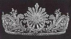 Collana della parure di diamanti della regina dei paesi for Tiara di diamanti