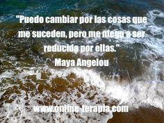 No te dejes caer o sentir sin valor, a pesar de lo que pueda suceder en tu vida. #frases #mayaangelou #autoestima #confianza #resiliencia