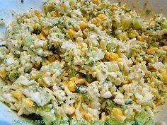 Składniki: różyczki brokuł torebka ryżu szklanka kukurydzy konserwowej 2 jajka zielony ogórek szynka (opcjo... Fried Rice, Fries, Food And Drink, Ethnic Recipes, Diet, Kitchens, Salads, Nasi Goreng, Stir Fry Rice