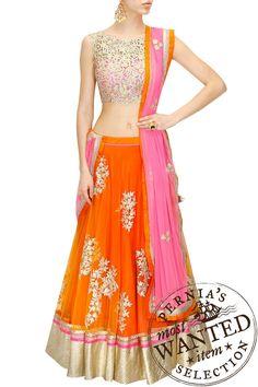 Lehenga : Buy lehenga choli, chaniya choli & bridal lehenga online - Pernia's Pop Up Shop Indian Attire, Indian Ethnic Wear, Indian Dresses, Indian Outfits, Indian Clothes, Ethnic Outfits, Latest Designer Sarees, Designer Dresses, Salwar Kameez