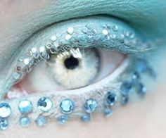 Light blue eye gems eye make up Makeup Fx, Artist Makeup, Angel Makeup, Look Into My Eyes, Look At You, Pretty Eyes, Beautiful Eyes, Crystal Blue Eyes, Color Turquesa