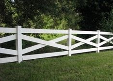 Our heavy duty crossbuck horse fence and farm fence is manufactured for livestock fence and horse pasture fence. Diy Horse Fencing, Pasture Fencing, Home Fencing, Ranch Fencing, Farm Fence, Diy Backyard Fence, Diy Garden Fence, Fence Landscaping, Horse Barns