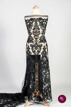 Dantelă neagră șiretată pe bază din tulle de aceeași nuanță, ușor elastic. Dantelă cu design baroc realizat cu fir negru lucios. Modelul dantelei este amplu, desfășurat pe întreaga suprafață a materialului, și este accesorizat cu șiret fin negru. Dantela poate fi utilizată pentru confecționarea rochiilor de ocazie și a altor articole vestimentare. Formal Dresses, Fashion, Dresses For Formal, Moda, Formal Gowns, Fashion Styles, Formal Dress, Gowns, Fashion Illustrations