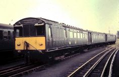 London Transport Trains in the Electric Locomotive, Diesel Locomotive, Railroad Pictures, Train Art, Electric Train, British Rail, London Transport, Light Rail