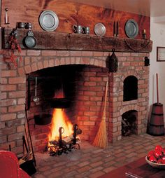 Fireplace and bread oven build by Buckley Rumford - I've always wanted a hearth you can cook with in the kitchen. Rumford Fireplace, Build A Fireplace, Fireplace Design, Fireplace Mantels, Fireplace Kitchen, Mantles, Fireplace Ideas, Primitive Fireplace, Country Fireplace