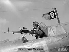 A British sergeant air-gunner manned his Vickers K gun from the rear cockpit of a Fairey Battle, May note the unofficial squadron pennant flying from the radio mast Photographer S. Devon Source Imperial War Museum Identification Code C 1653 Aviation Image, Ww2 Aircraft, Aircraft Photos, Military Aircraft, Battle Of Britain, Fighter Pilot, Royal Air Force, Military History, Dieselpunk