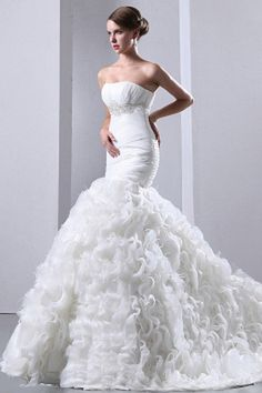 View our elegant wedding dresses,and choose your dream wedding dress from our online shop, check our large collections of simple elegant bridal gowns made on lace for an elegant wedding date. Wedding Dresses 2014, Elegant Wedding Dress, Cheap Prom Dresses, Cheap Wedding Dress, Bridal Dresses, Wedding Gowns, Ivory Wedding, 2017 Wedding, Dresses 2013
