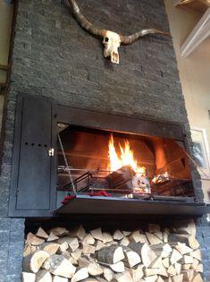 De Spitbraai 1500  van Home Fires Braai op  volle toeren!  http://www.comforttrade.nl/shop/nl/outdoor-cooking/outdoor-cooking/braai--spitbraai-1500-de-luxe/