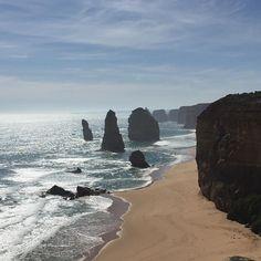 12 Apostles on the Great Ocean Road #tbf #12apostles #greatoceanroad #australia #exchange #exchangeprogram #exchangestudent #memories #missthatplace #missthesedays #nostalgic #nofilter by nenegiani