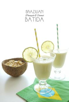 World Cup Party: Brazilian Pineapple Coconut Batida Cocktail Cocktail Drinks, Cocktail Recipes, Cocktails, Refreshing Drinks, Yummy Drinks, Brazil Party, Punch Recipes, Party Recipes, Portuguese Recipes