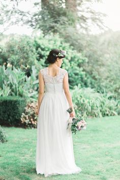 One of my favourites! Liah Roebuck Bridal real bride 2015 @mandymarymills