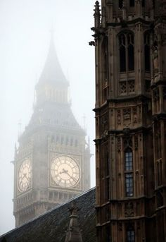 Foggy, Big Ben, London (this site has some of the most amazing travel photos I have ever seen). Oh The Places You'll Go, Places To Travel, Places To Visit, Travel Things, Travel Stuff, Voyage Europe, London Calling, Great Britain, Dream Vacations