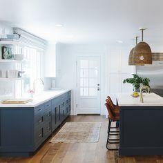 BEAUTIFUL HOMES Layout Design, Küchen Design, Home Design, Design Ideas, Studio Kitchen, New Kitchen, Kitchen Decor, Brass Kitchen, Floors Kitchen